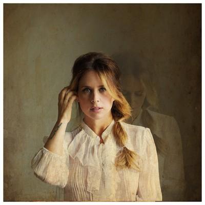 Lucie Silvas image